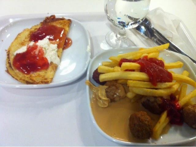 ikea, vantaa, ikea suomi, ikea vantaa, ostokset, shopping, ranskalaisetm lihapullat, lettu, meatballs, french fries,