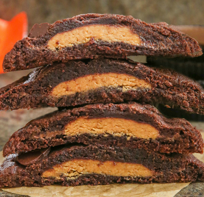 close-up photo of a stack of cookies showing the filling