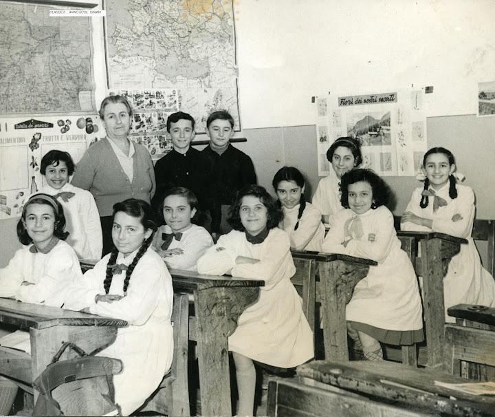 1959, classe V, leva 49.giovanna,mariarosa,angela,pamela,mariangela,elvira,pino,angelina,rina,donatella,carla