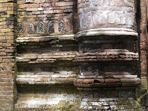 A Pillar details