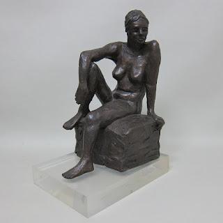 Rayne Statue