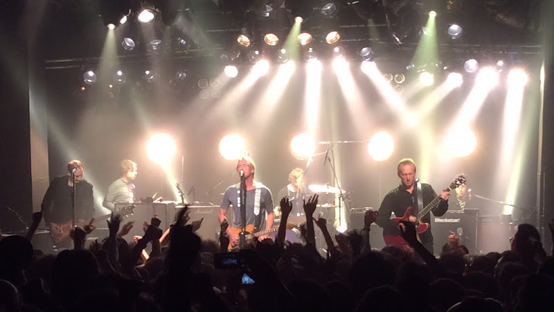 https://lh3.googleusercontent.com/-5Gtrt7xY0Wc/ViNPVxYJn7I/AAAAAAAAmxI/HytEF869l4w/s800-Ic42/Paul-Weller-Japan-Tour-2015-Bay-Hall-Yokohama-20-Oct-17-2015.jpg