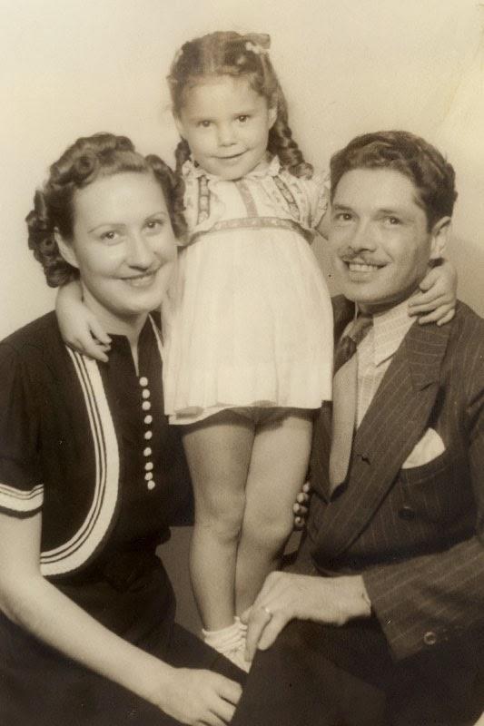 Elaine and Francis Early Years - Elaine-family.jpg