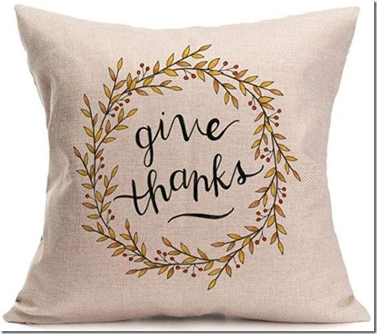 fall throw basket, basket, farmhouse, farmhouse style, cottage, cottage style , fall pillows