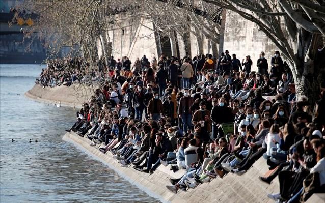 Γαλλία: Η αστυνομία εκκένωσε τις όχθες του Σηκουάνα λόγω συνωστισμού