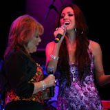 Shery con Vikki Carr