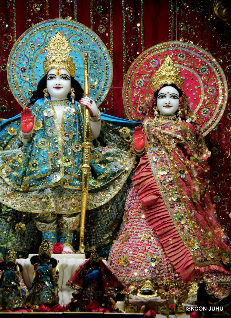 ISKCON Juhu Mangal Deity Darshan on 25th Oct 2016 (5)