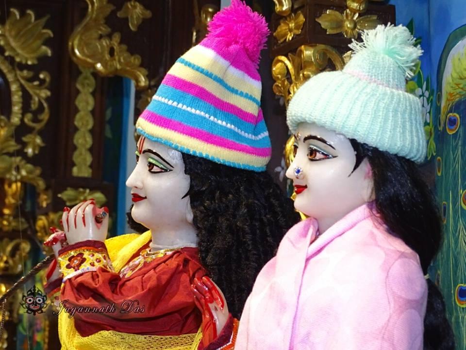 ISKCON Mira Road Mangla Deity Darshan 18 Dec 2015 (2)