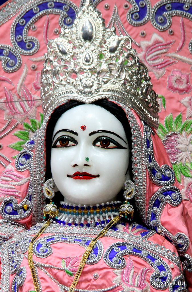 ISKCON Juhu Mangal Deity Darshan on 30th Sep 2016 (13)