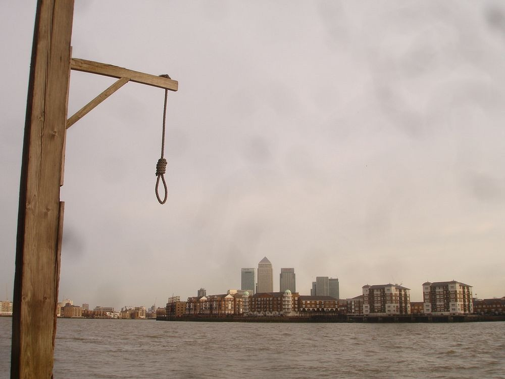 execution-dock-wapping-2