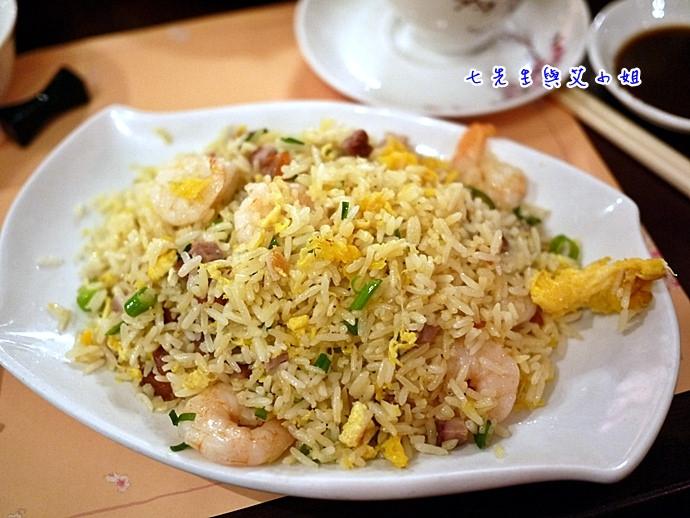 12 楊州炒飯