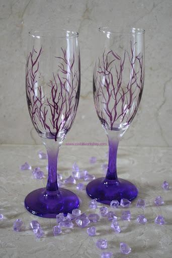 Paarse champagne glazen w.jpg