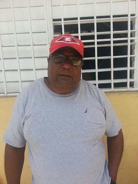 Director de la Escuela  José Miguel Peña de Polo niega que se hayan dañado uniformes y cuadernos en esa escuela