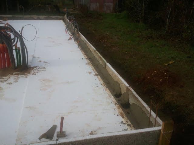 Notre maison ossature bois isolation paille coulage de - Temps de sechage dalle beton pour marcher dessus ...