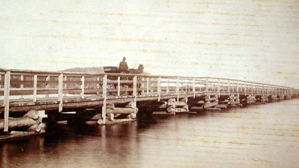 1-bridge-at-lake-glensevern