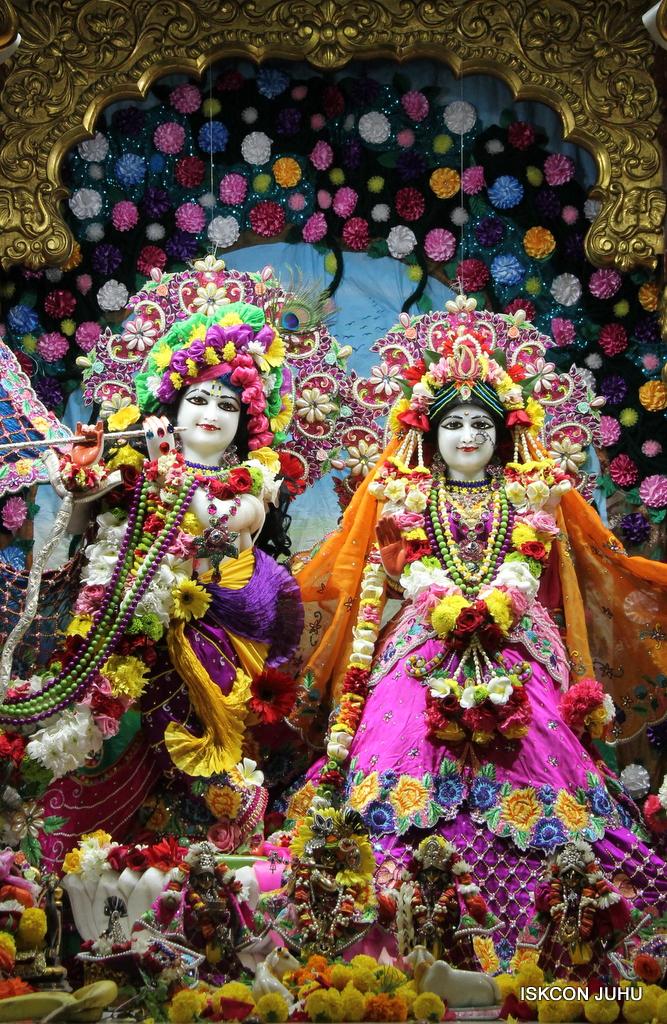 ISKCON Juhu Sringar Deity Darshan on 29th Sep 2016 (4)