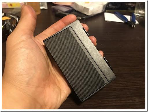 IMG 4493 thumb - 【カクカク】「VOOPOO Alfa One 222W」(ヴープー・アルファワン)レビュー!90年代を思わせる独特のSF感あるハイパワーMOD、222Wを使いこなし、究極の爆煙マンを目指せ!【テクニカル/SF/デザイナーズ】