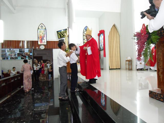 Hình ảnh thánh lễ và ban phép Thêm sức tại giáo xứ Bắc Thành
