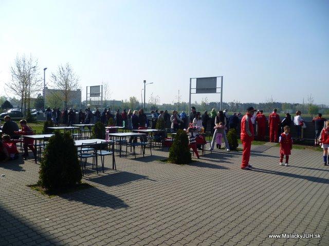 Veľkonočný medzinárodný ZLATÝ futbalový turnaj ČSFA (17.4.2011) - P1020022.JPG