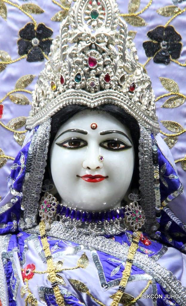 ISKCON Juhu Mangal Deity Darshan on 11th Aug 2016 (22)