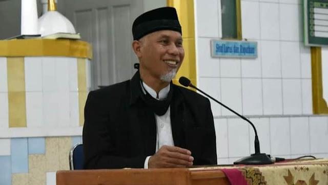 Foto: Buya Mahyeldi. Di Masa Pendemi, Salat Idul Adha di Masjid Agung Nurul Iman.