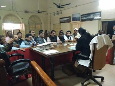 ज्ञापन : भूमाफिया मुहिम में कोठी नंबर एक को मुक्त कराया जाएं ,5 सालों का नल एवं बिजली का किराया बसूला जाएं   Shivpuri News