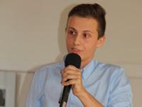 05 A Szondy György Gimnázium diákja az előadása közben.JPG