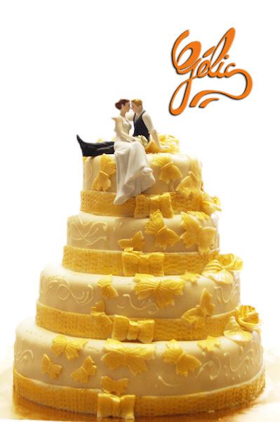 wedding-cake-papillons-dorés-ptte.jpg