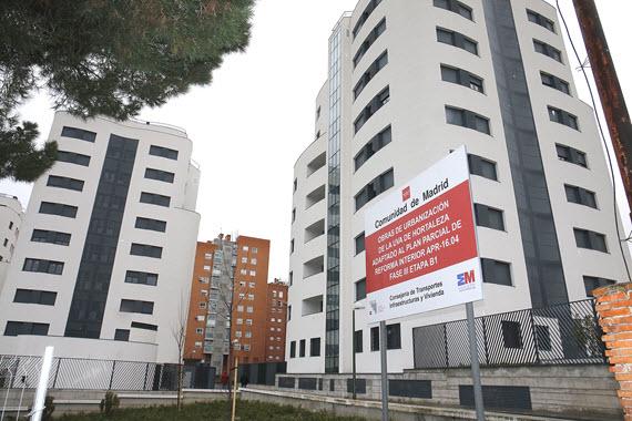 Entregadas 108 viviendas sociales en el barrio de la UVA de Hortaleza