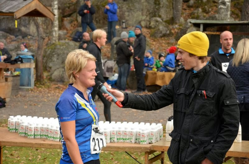 Speaker Joel Käll-Karlsson intervjuar damsegraren Elin Dahlin