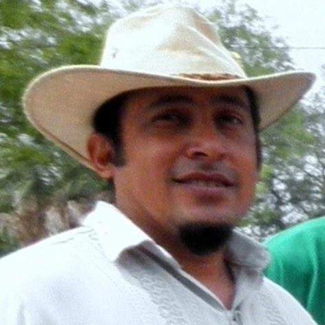 Julio Reyes Photo 20