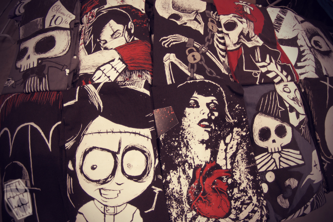 akumu ink shirts, nightmare shirt, comiccon tshirts, skeleton shirts, skeleton clothing store, skull shop, skull clothing, skull tshirts, kawaii goth, japanese goth, jrock clothing, horror art shirts