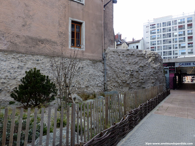 muralla-romana-grenoble.JPG