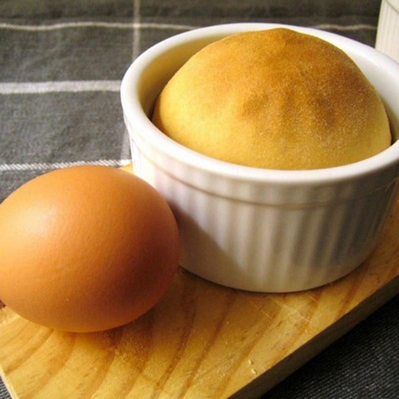 Tortano, torta salata i cui ingredienti esprimono una simbologia pagana precristiana.