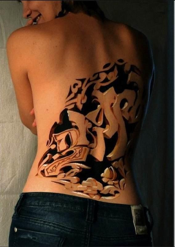 estilo_de_graffiti_de_volta_tatuagem_em_3d