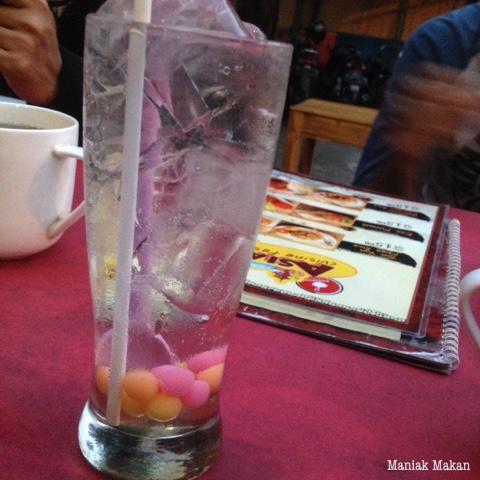 maniak-makan-popipop-solo-drinks-popipop