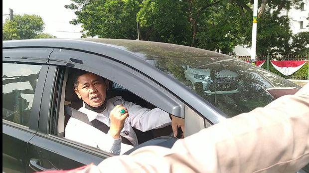 Diminta Putar Balik Usai Langgar Gage, Pria Pakai Mobil Pelat RFW: Saya Kan Pejabat Publik