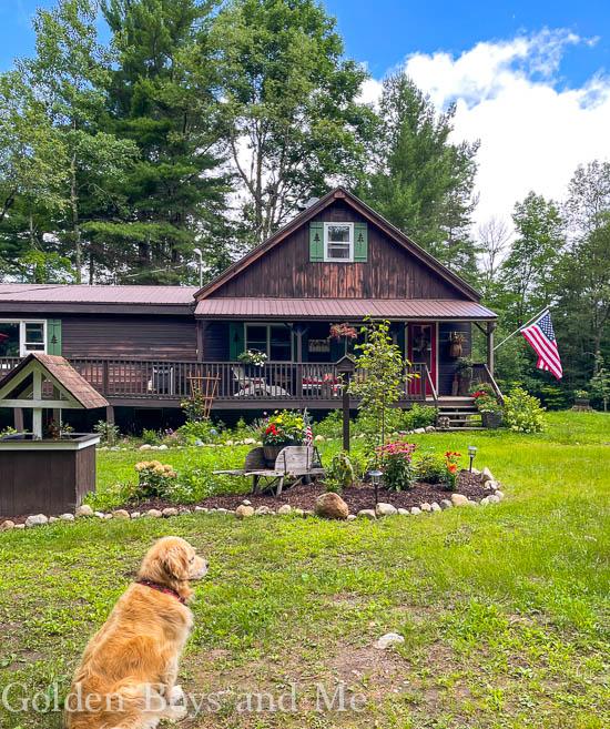 Cabin in the Adirondack Mountains - www.goldenboysandme.com