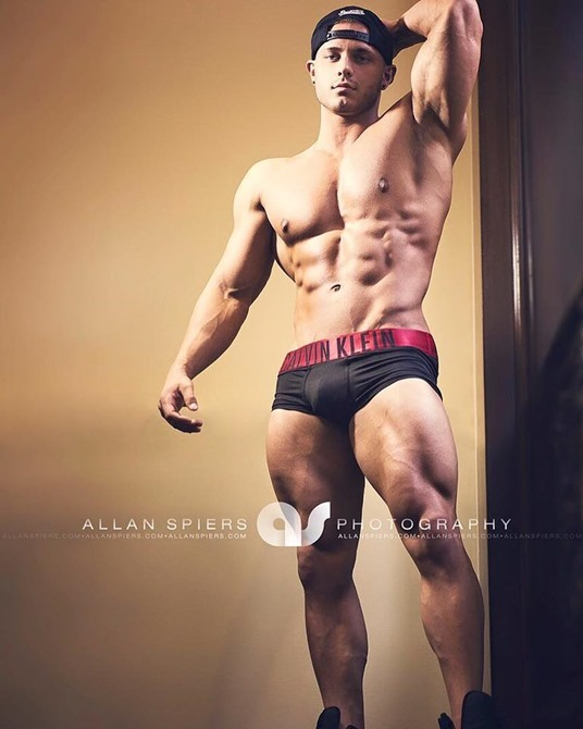 Matthew-Curry-by-Photographer-Allan-Spiers-160111-06