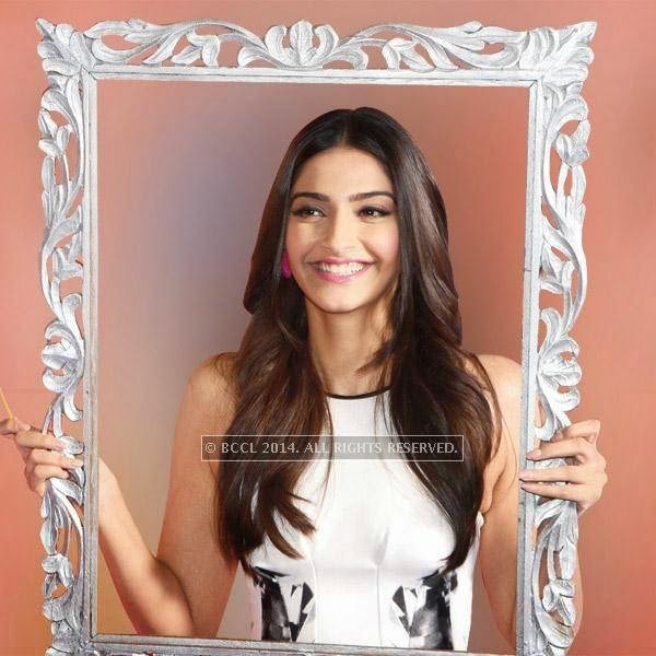 Sonam Kapoor was perfectly in character as the royal misfit Mili at Khoobsurat's trailer launch, where she not only played to the gallery, but also made a rather quirky fashion statement by wearing mismatched earrings!