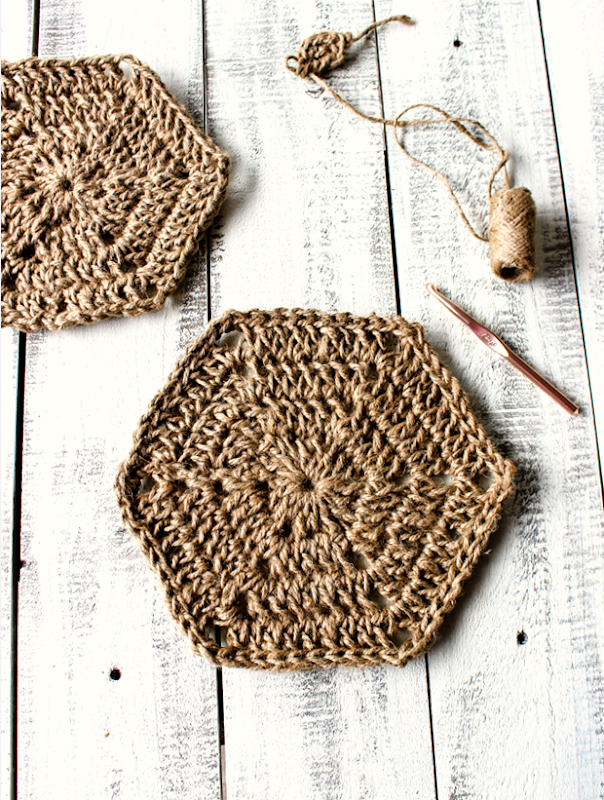 Hexagon-Jute-Trivet-Free-Crochet-Pattern-1