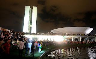Alguns motivos para justificar sua participação na recente onda de protestos no Brasil