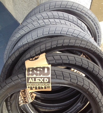 BSD donnasqueak tires