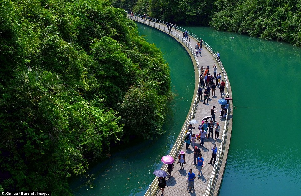 china-floating-walkway-5