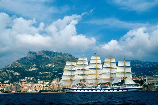 South-France-Royal-Clipper.jpg - The Royal Clipper sails in the Mediterranean in the south of France.