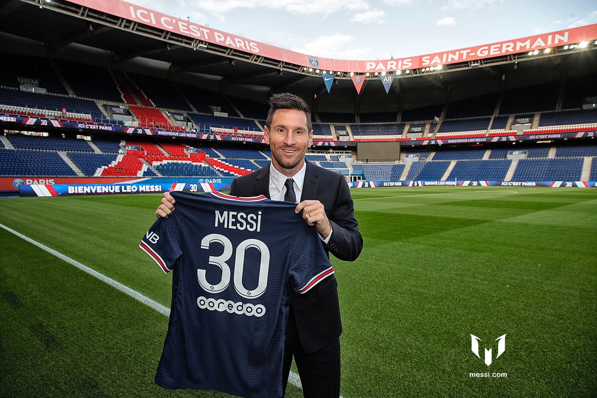 Messi tham gia Paris Saint-Germain