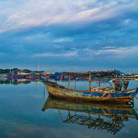 Old Boat by Victor Lin - Transportation Boats