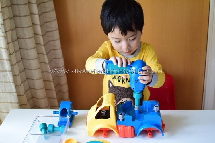 Battat Take-Apart Crane Toy Truck