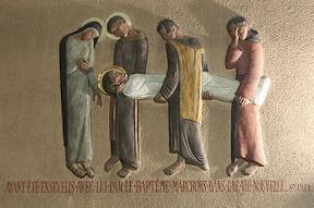 XIVème Station : Jésus est mis au tombeau