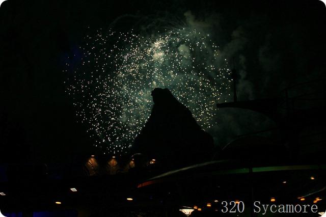 fireworks disneyland matterhorn